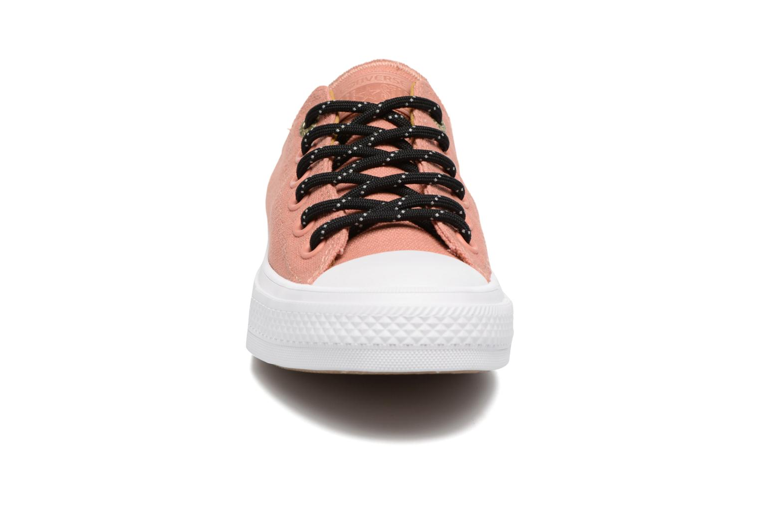 Sneakers Converse Chuck Taylor All Star II Ox Shield Lycra W Arancione modello indossato