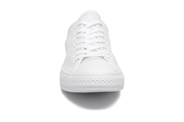 Baskets Converse Chuck Taylor All Star Tri-Panel Ox Blanc vue portées chaussures