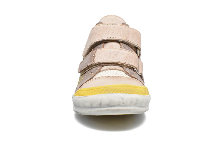Baskets GBB Maelan Beige vue portées chaussures