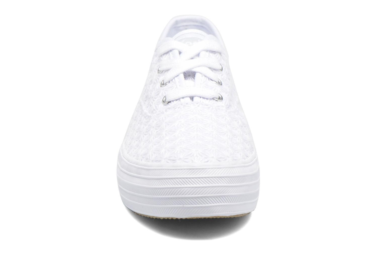 Baskets Keds Triple Mini Daisy Blanc vue portées chaussures