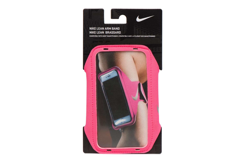 Diversos Nike LEAN ARM BAND Rosa vista del modelo