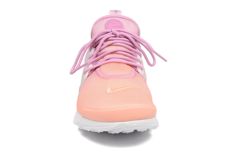 Baskets Nike Wmns Air Presto Ultra Br Rose vue portées chaussures