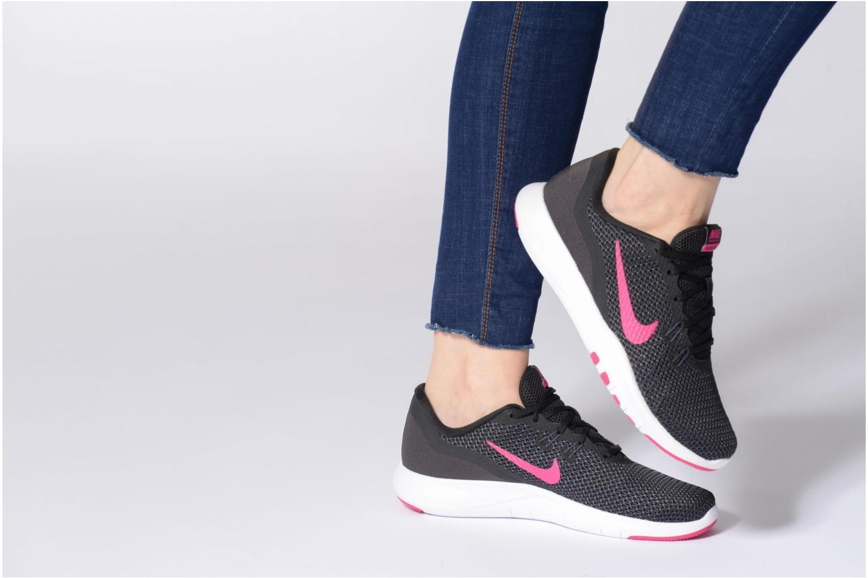 Sportschuhe Nike W Nike Flex Trainer 7 schwarz ansicht von unten / tasche getragen