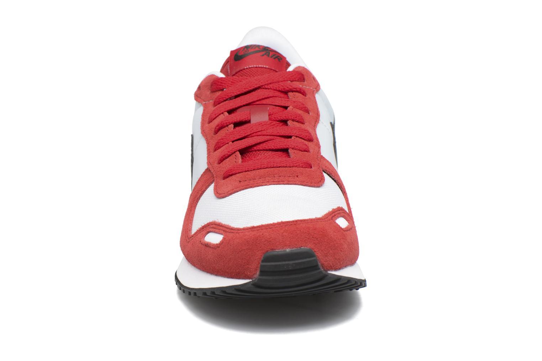 Baskets Nike Nike Air Vrtx Rouge vue portées chaussures