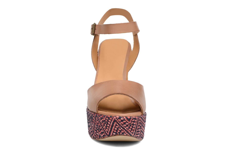 Sandals Elizabeth Stuart Blanche Brown model view
