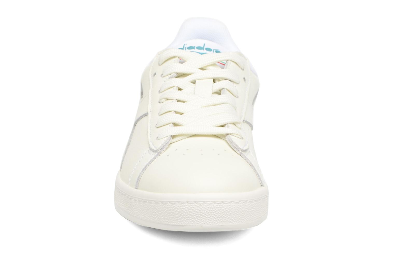 Baskets Diadora GAME L LOW MIRROR Blanc vue portées chaussures