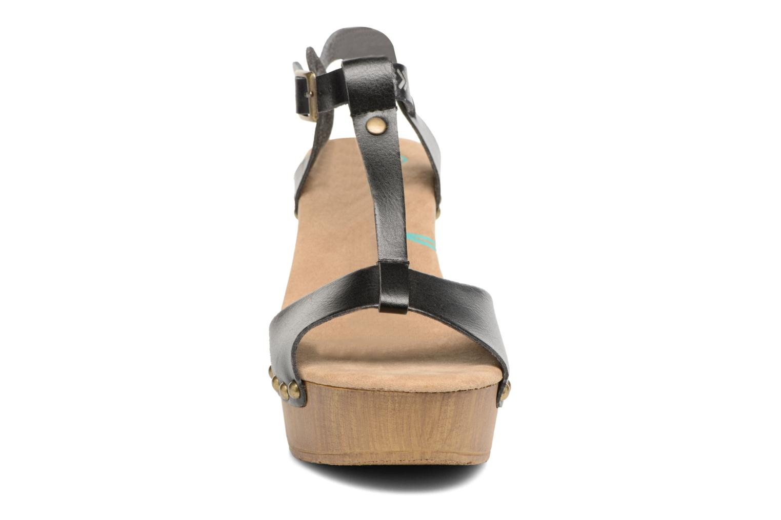 Sandals Coolway Colette Black model view