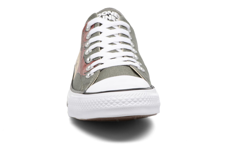 Baskets Converse Chuck Taylor All Star  Looney Tunes Ox Vert vue portées chaussures