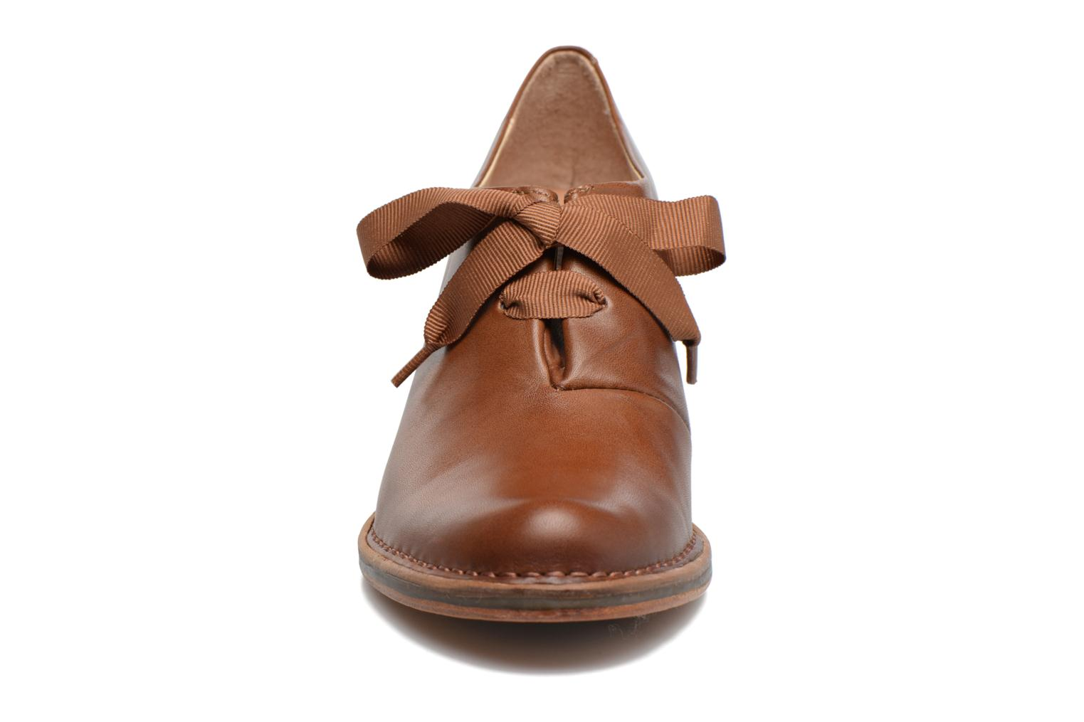 Lace-up shoes Neosens ROCOCO S833 Brown model view