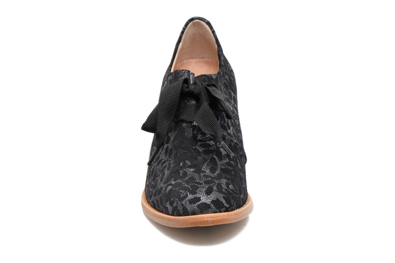 Chaussures à lacets Neosens CYNTHIA S534 Noir vue portées chaussures