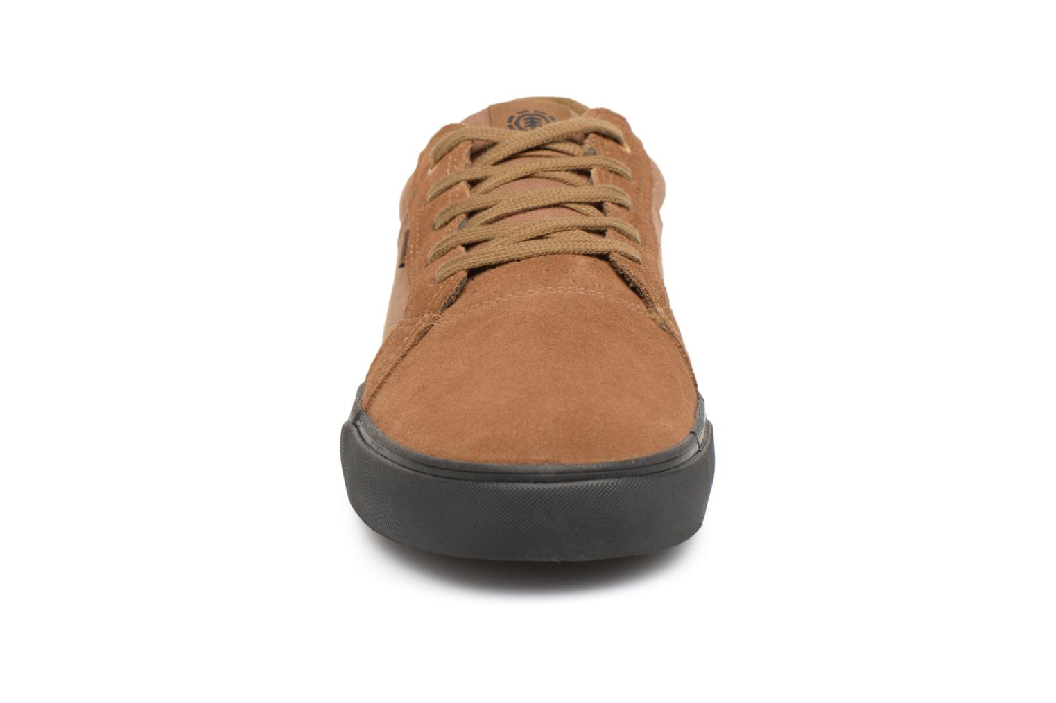 Trainers Element Wasso Brown model view