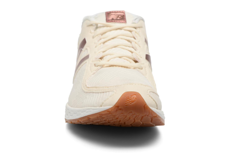Baskets New Balance WLZANT B Blanc vue portées chaussures