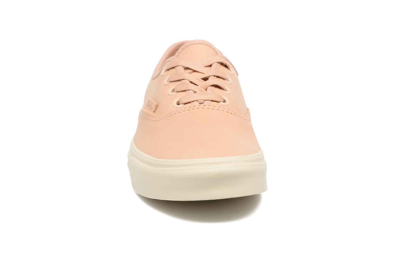 Sneakers Vans Authentic DX Rosa modello indossato