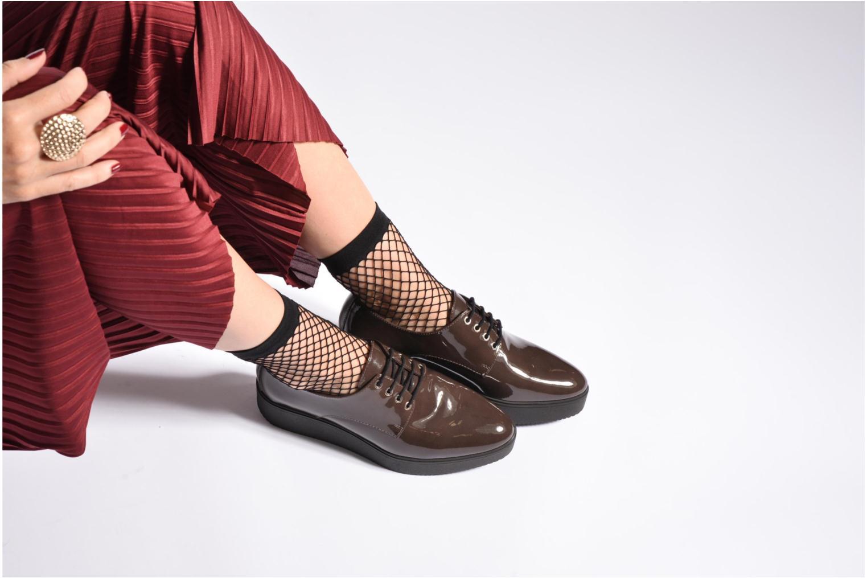 Chaussures à lacets Unisa Caler Marron vue bas / vue portée sac
