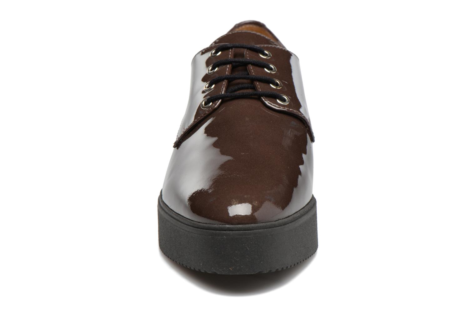 Lace-up shoes Unisa Caler Brown model view