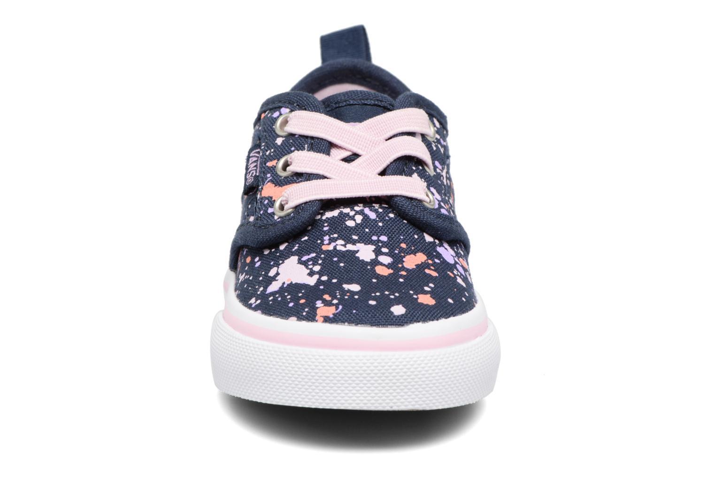 Baskets Vans Atwood Slip-On Bleu vue portées chaussures