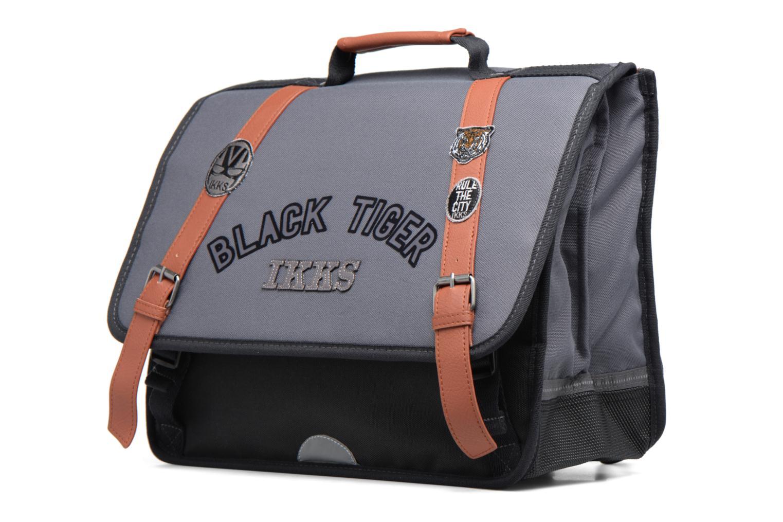 Scolaire IKKS Cartable 38cm Black Tiger Gris vue portées chaussures