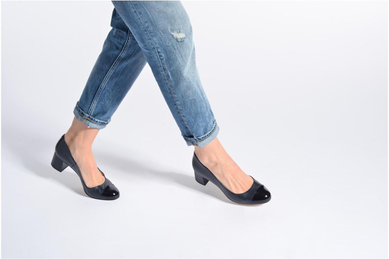 High heels Georgia Rose Sabou Beige view from underneath / model view