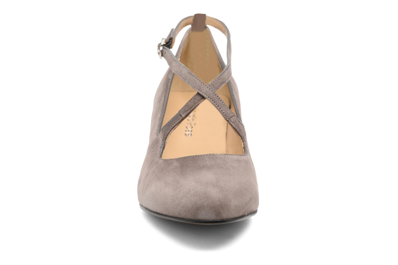 Zapatos de tacón Georgia Rose Sully Gris vista del modelo