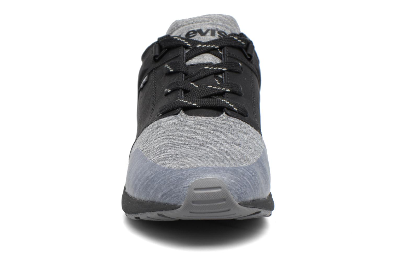 Baskets Levi's Black Tab Runner Noir vue portées chaussures