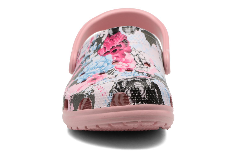 Mules et sabots Crocs Classic Graphic Clog Multicolore vue portées chaussures