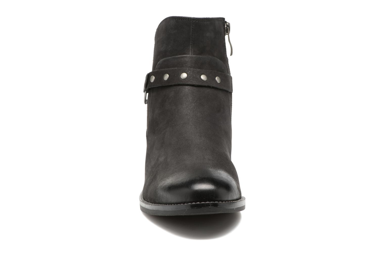 Kapria Black/ Black Nubuc