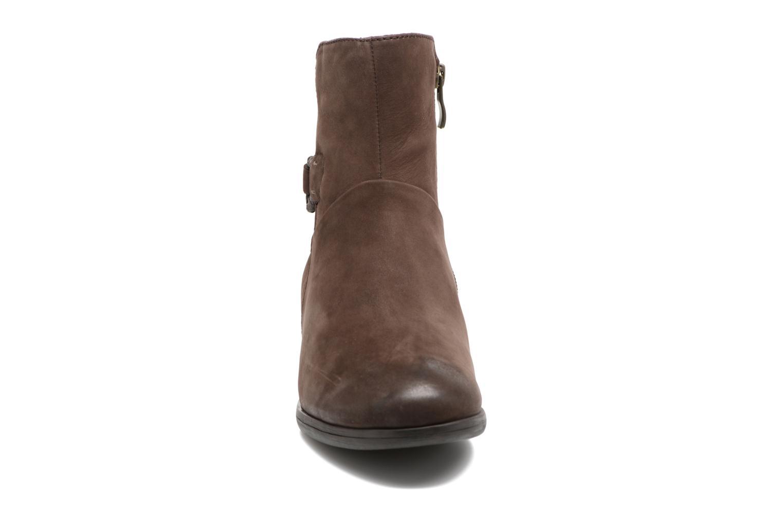 Boots en enkellaarsjes Caprice Dusty Bruin model