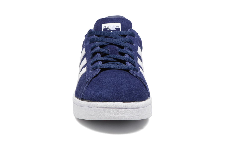 Sneakers Adidas Originals Campus C Azzurro modello indossato