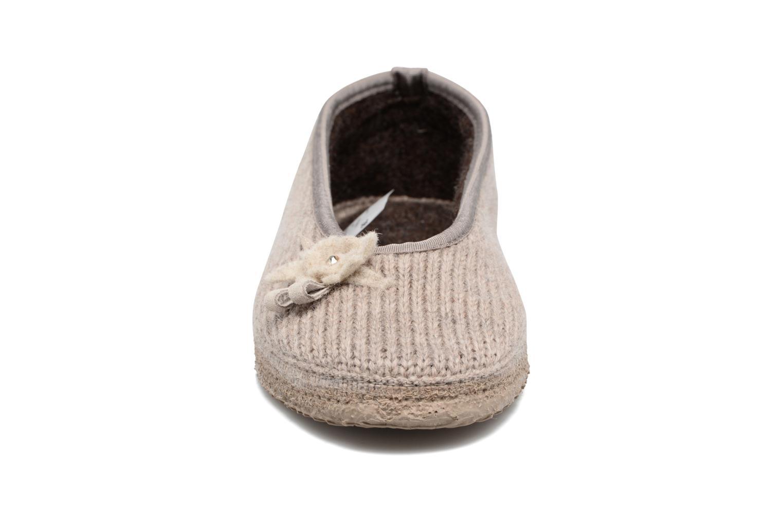 Chaussons Giesswein Lassan Beige vue portées chaussures