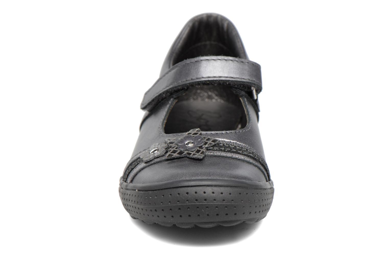 Ballerines Bopy Selim Gris vue portées chaussures