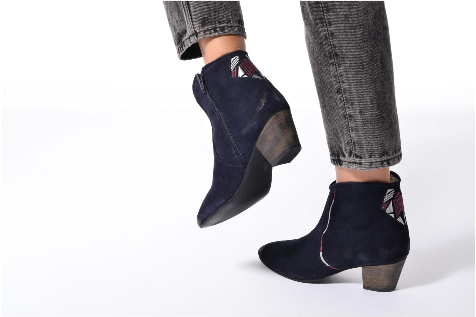 Ankle boots Kaporal Vuber Blue view from underneath / model view