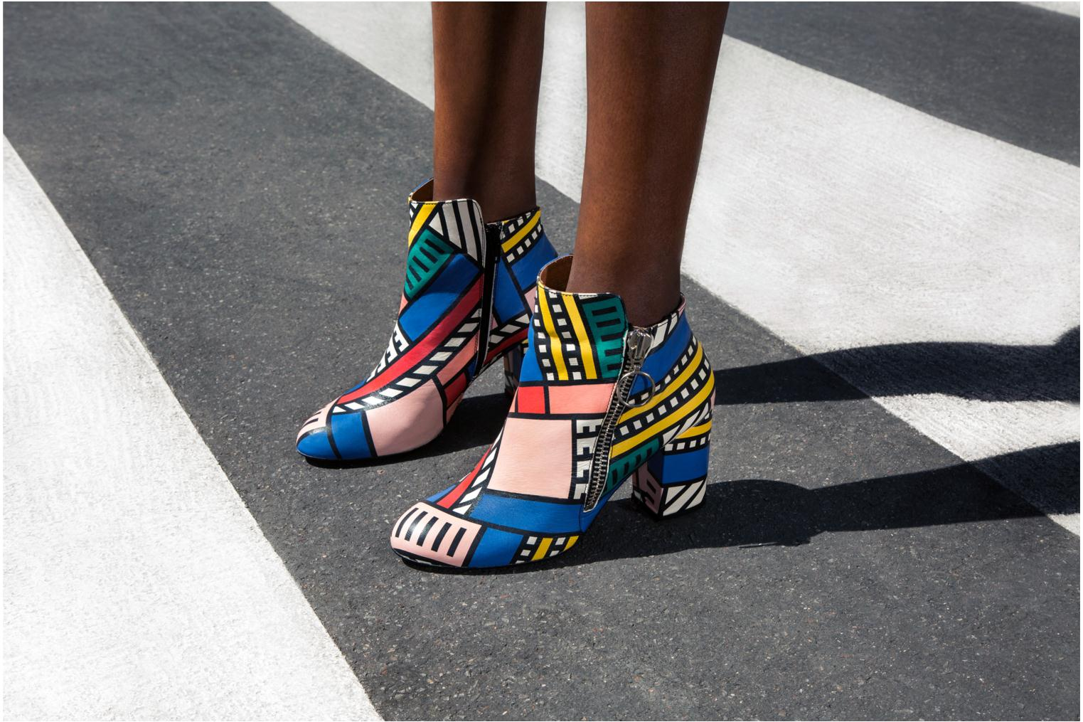 Bottines et boots Made by SARENZA Made by Sarenza X Camille Walala Heeled Boots Multicolore vue portées chaussures