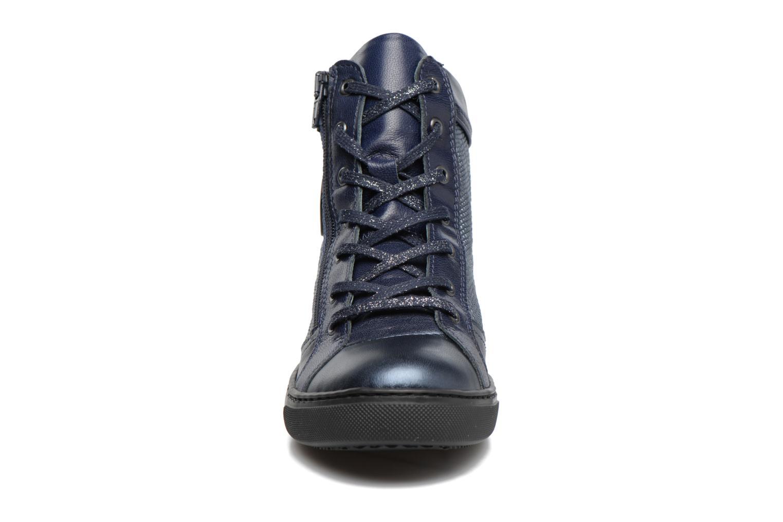 Baskets Pataugas Kay/S Bleu vue portées chaussures