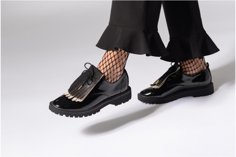 Chaussures à lacets Armistice Rock Derby Bordeaux vue bas / vue portée sac
