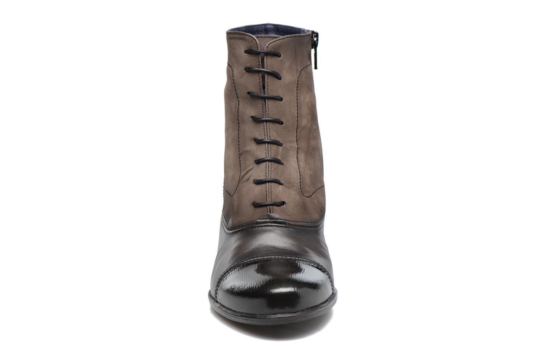 Bottines et boots Dorking Brisda 7255 Gris vue portées chaussures