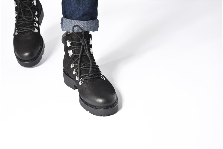 Bottines et boots Vagabond Kenova 4457-050 Noir vue bas / vue portée sac