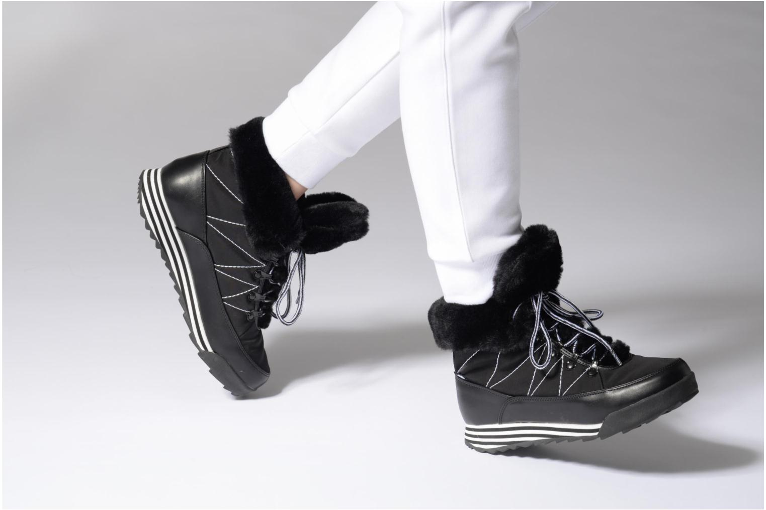 Ankle boots Rocket Dog Icee White view from underneath / model view