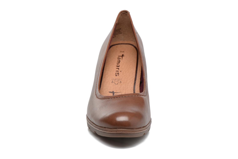 Escarpins Tamaris Oromé Marron vue portées chaussures