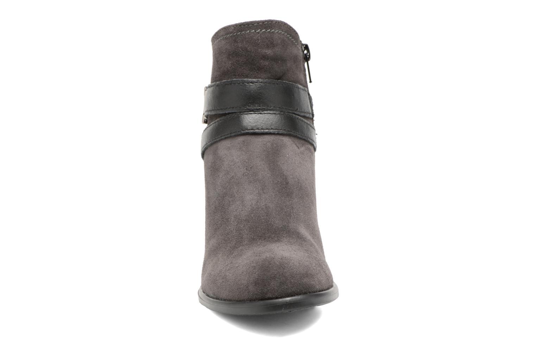 Bottines et boots Tamaris Athellen Gris vue portées chaussures
