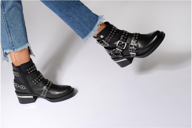 Bottines et boots Guess FIFII Noir vue bas / vue portée sac