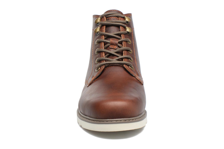 Bottines et boots Timberland Newmarket Lug PT Chukka Marron vue portées chaussures