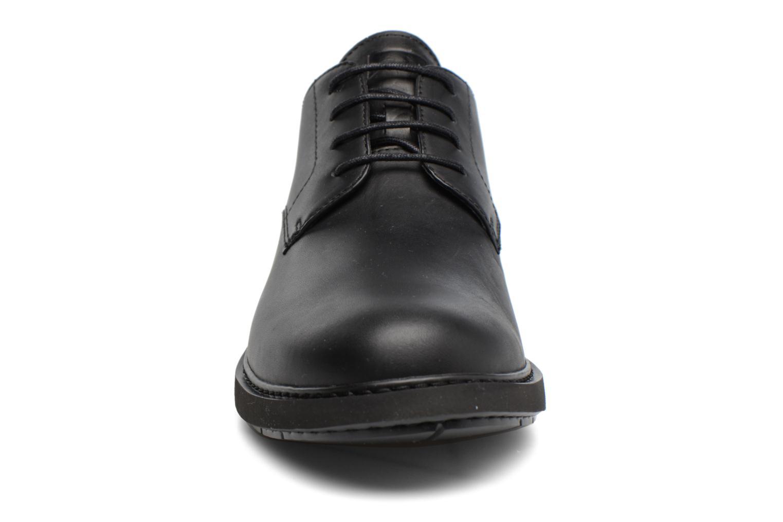 Chaussures à lacets Camper Neuman K100152 Noir vue portées chaussures