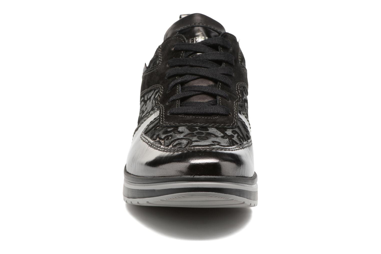 Baskets Mephisto Vicky 2 Noir vue portées chaussures