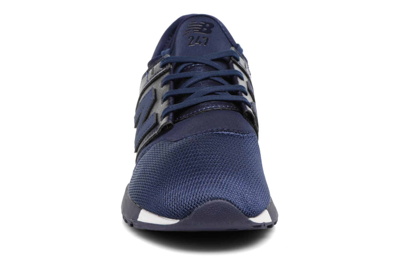 Baskets New Balance WRL247 B Bleu vue portées chaussures
