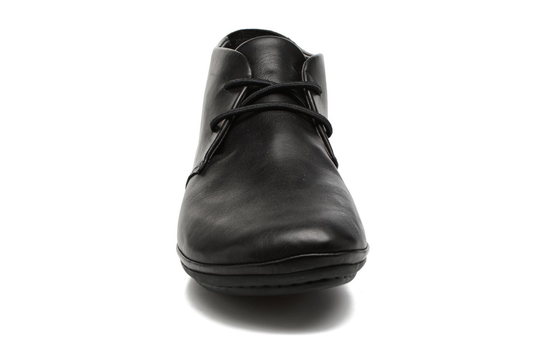 Chaussures à lacets Camper Right Nina K400221 Noir vue portées chaussures