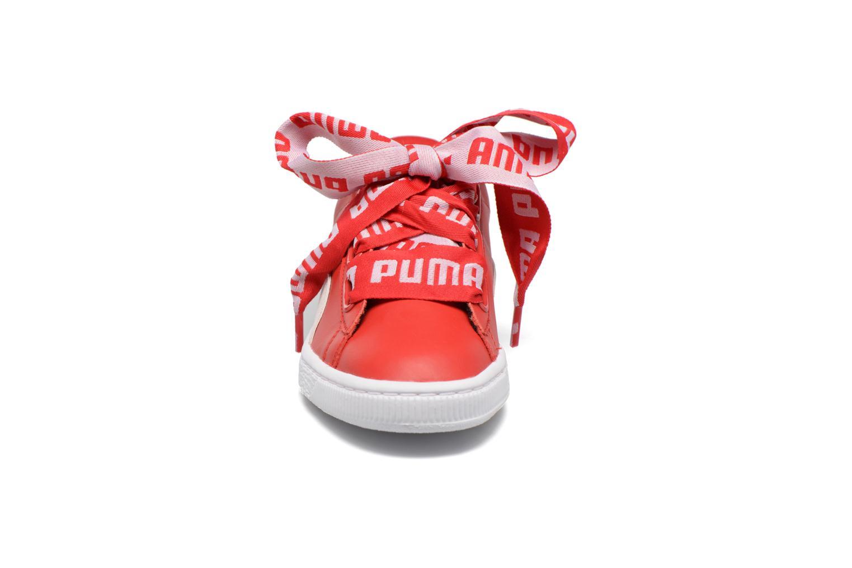 Baskets Puma Wns Basket Heart De Rouge vue portées chaussures