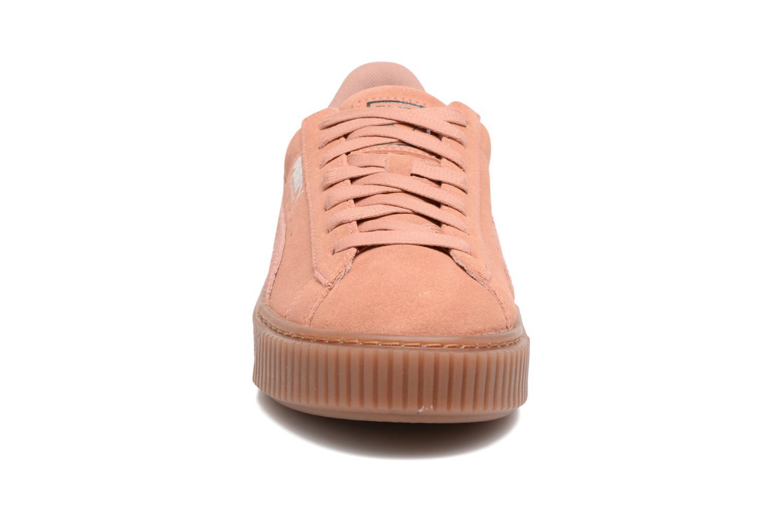 Baskets Puma Wns Suede Platform Gum.Cam Rose vue portées chaussures
