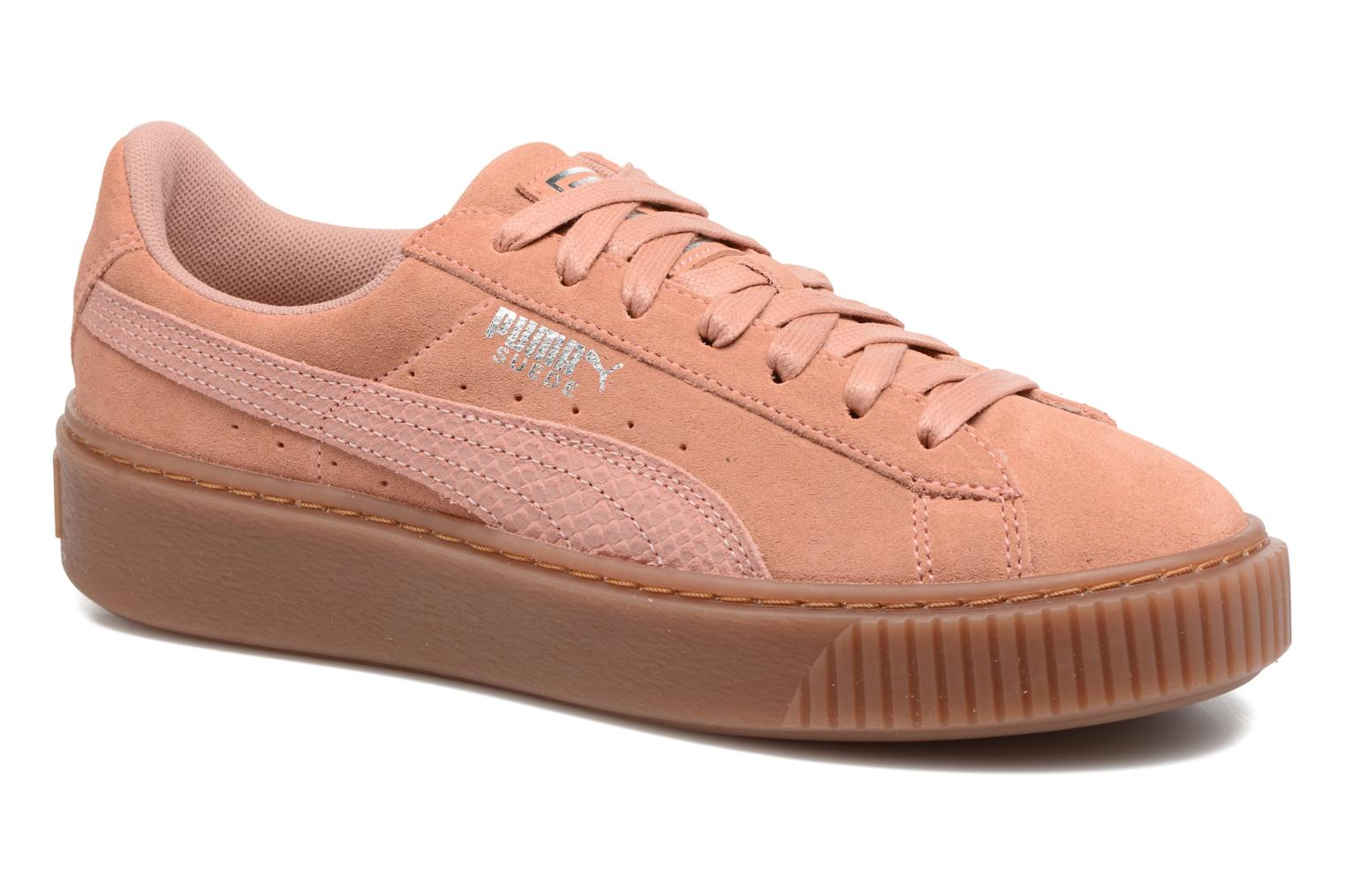 Trainers Puma Wns Suede Platform Gum.Cam Pink detailed view/ Pair view