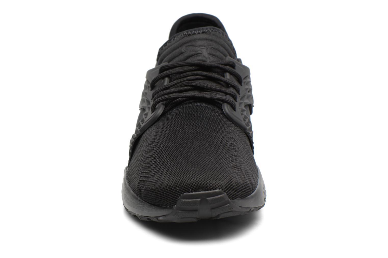 Sneakers Puma Blaze Cage Mono Nero modello indossato