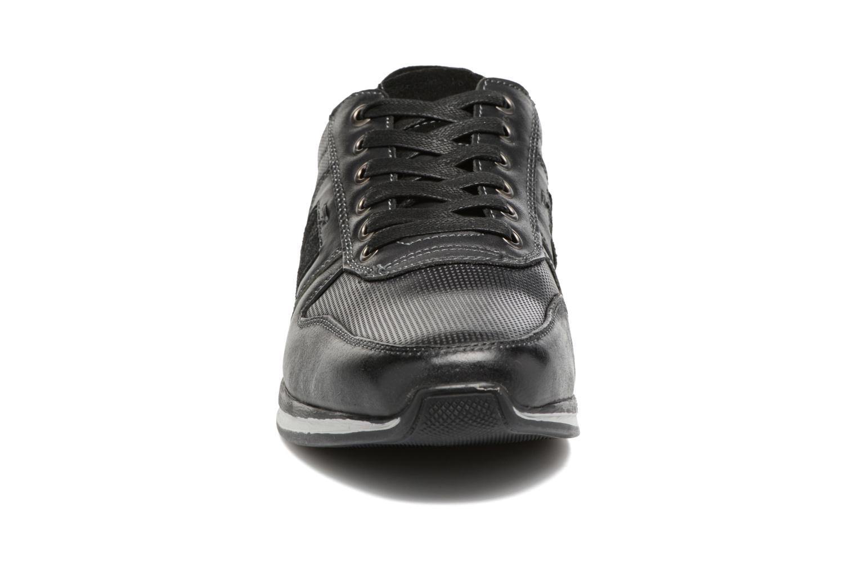 Baskets Hush Puppies Pishup Noir vue portées chaussures